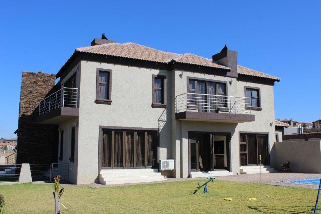Blue Valley Golf Estate property for sale. Ref No: 13371077. Picture no 26
