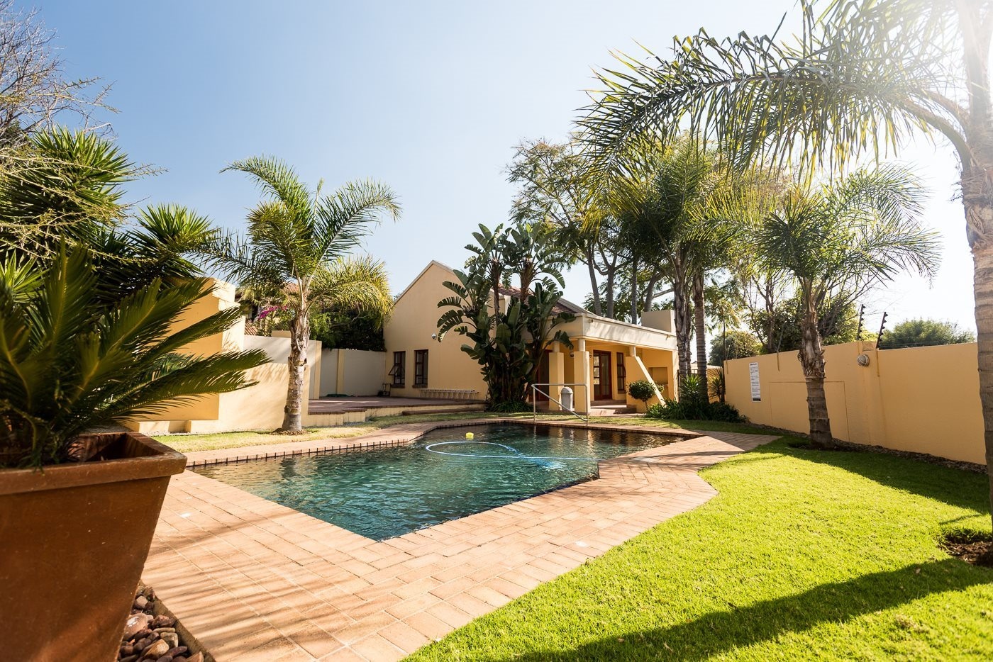 Lonehill property for sale. Ref No: 13492156. Picture no 13