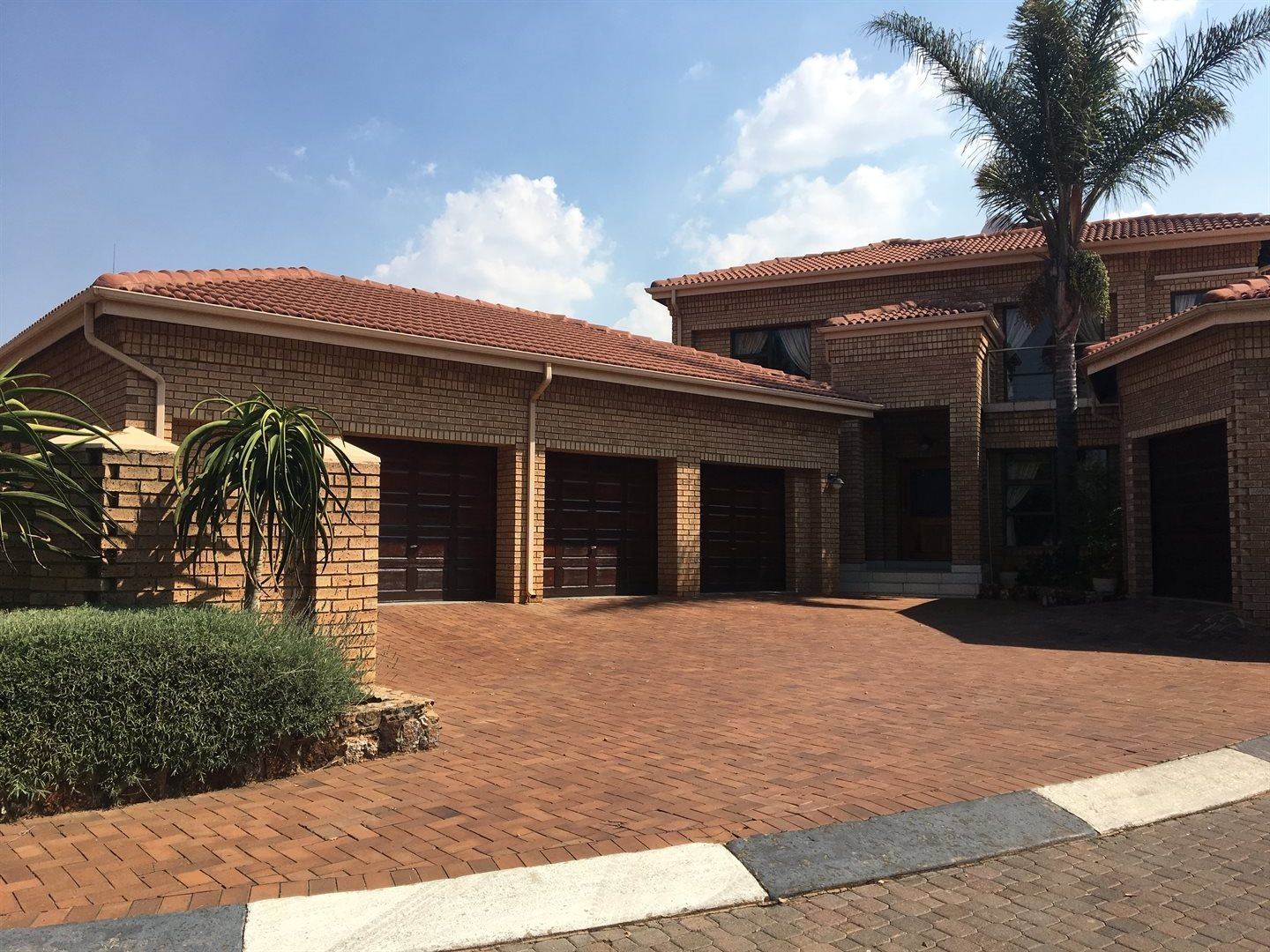 Property and Houses to rent in Centurion Golf Estate, House, 4 Bedrooms - ZAR , 33,00*,M