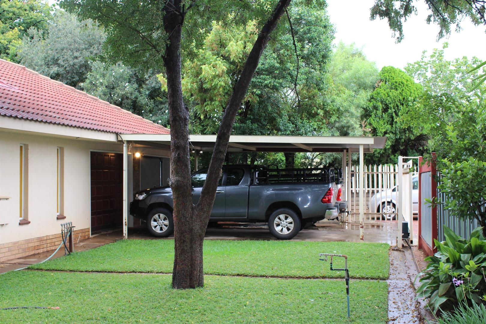 Potchefstroom Central property for sale. Ref No: 13453532. Picture no 11