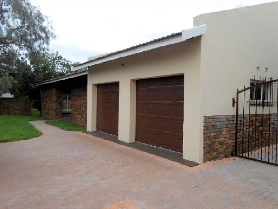 Meyerton Central property for sale. Ref No: 13442379. Picture no 4