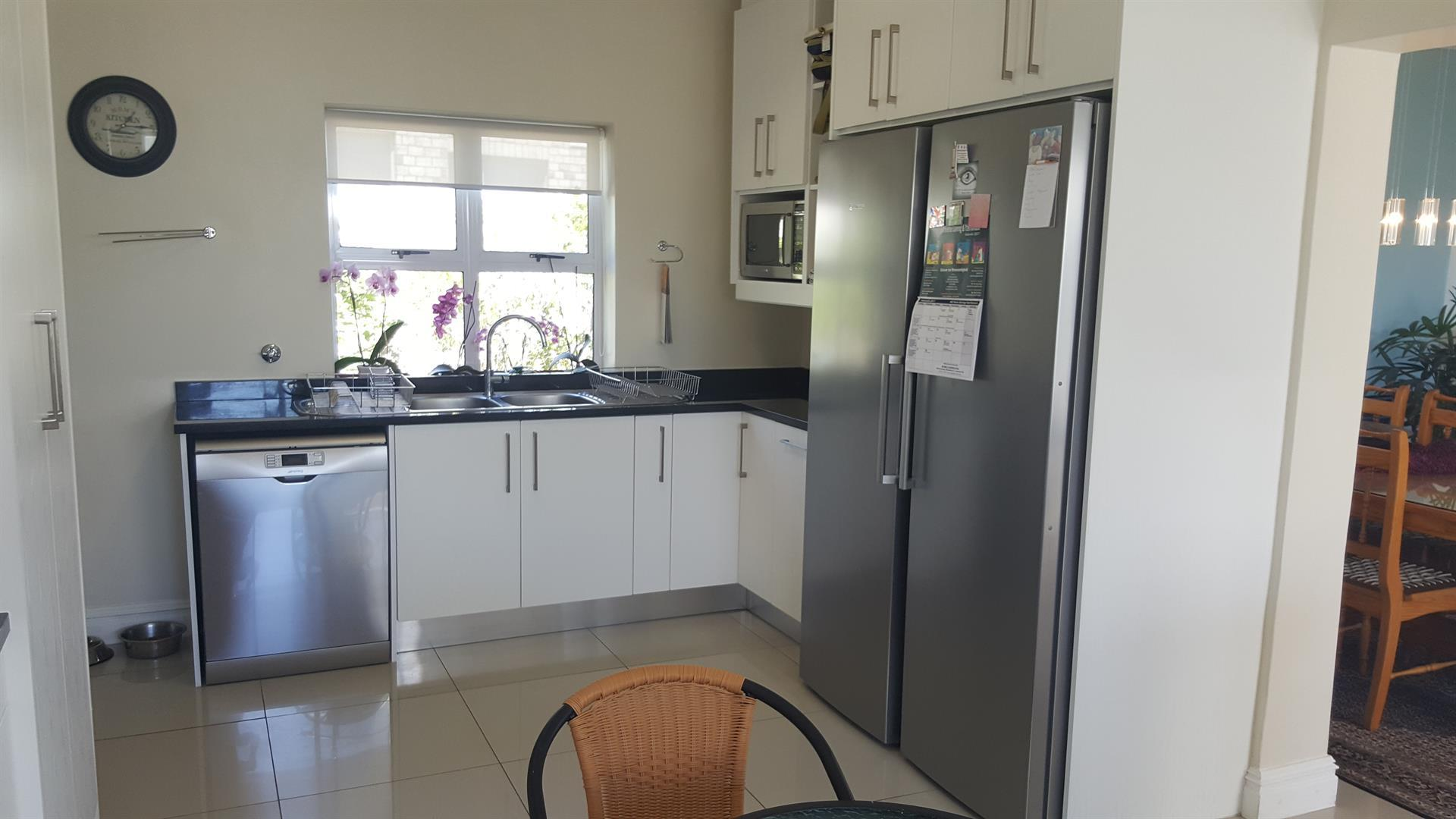 Yzerfontein property for sale. Ref No: 13454156. Picture no 18