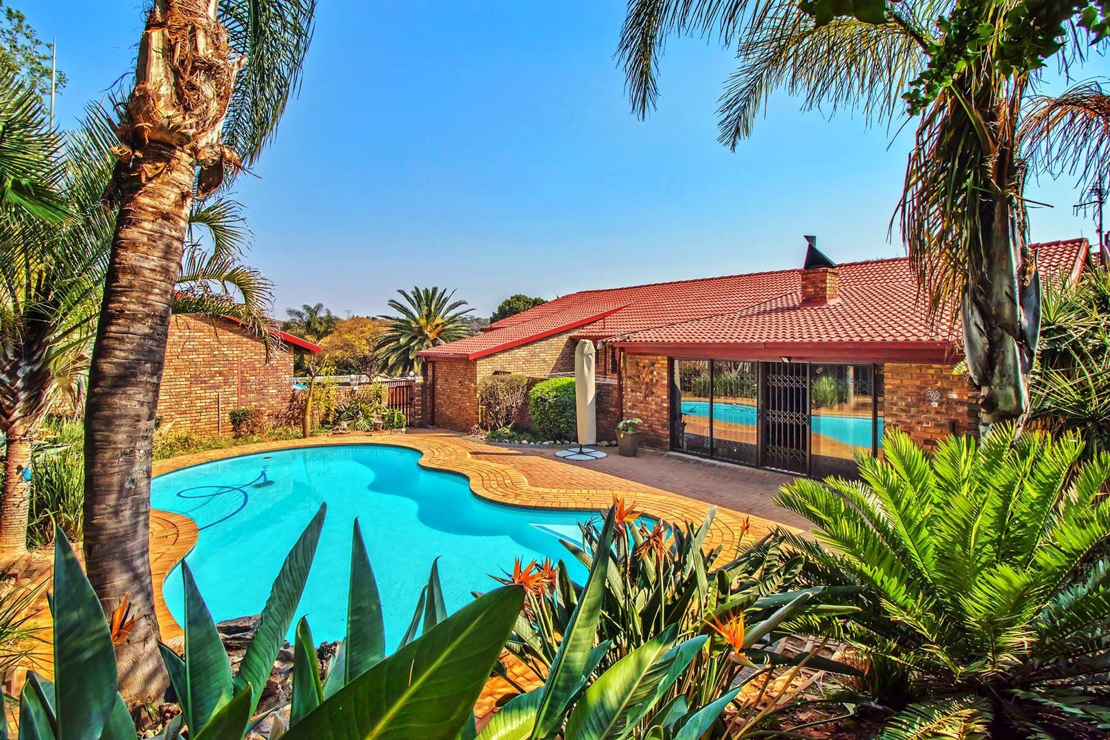 Property and Houses for sale in Moreleta Park, House, 4 Bedrooms - ZAR 2,940,000