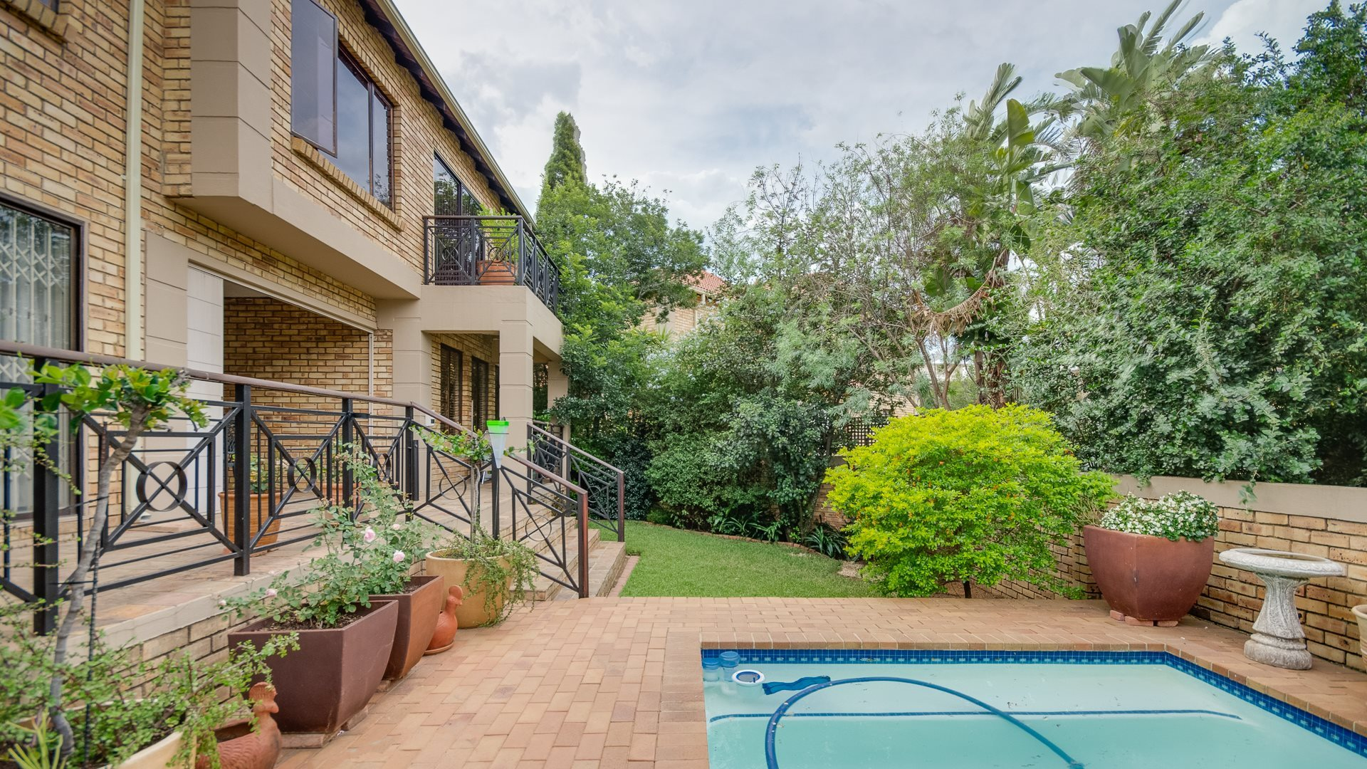 Sandton, Beverley Property  | Houses For Sale Beverley, Beverley, Townhouse 3 bedrooms property for sale Price:2,250,000