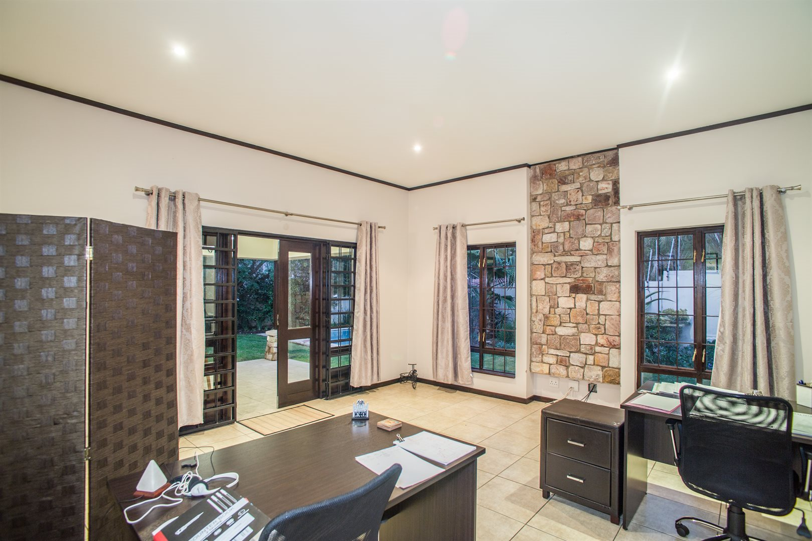 Lonehill property for sale. Ref No: 13529904. Picture no 12