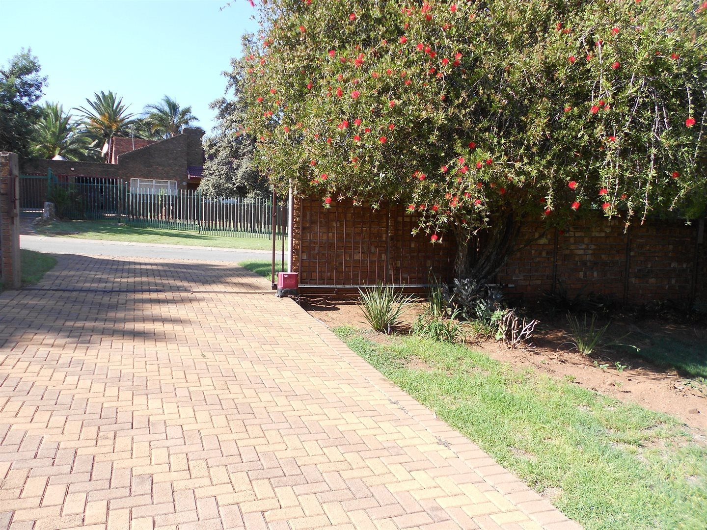 Rooihuiskraal property for sale. Ref No: 13572771. Picture no 19