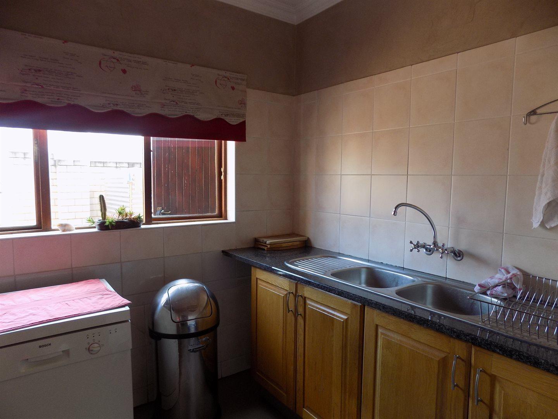 Eldoglen property to rent. Ref No: 13543361. Picture no 11