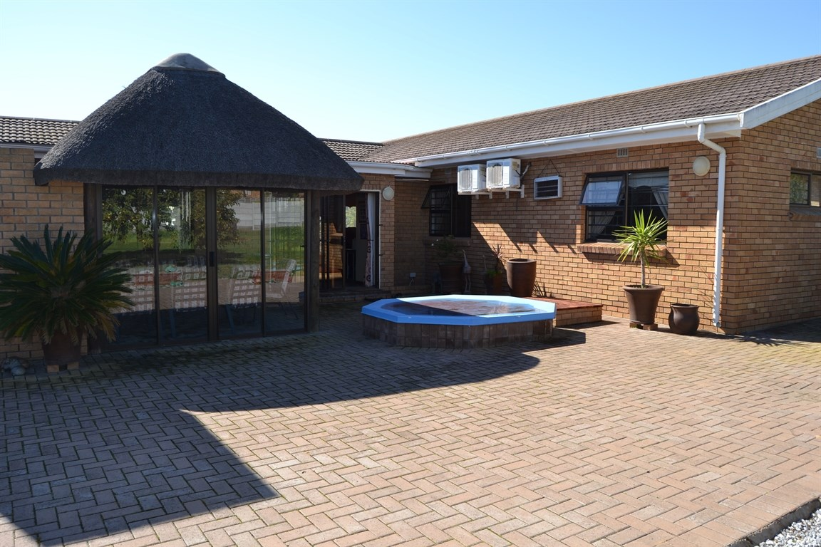 Lamberts Bay property for sale. Ref No: 13373968. Picture no 18