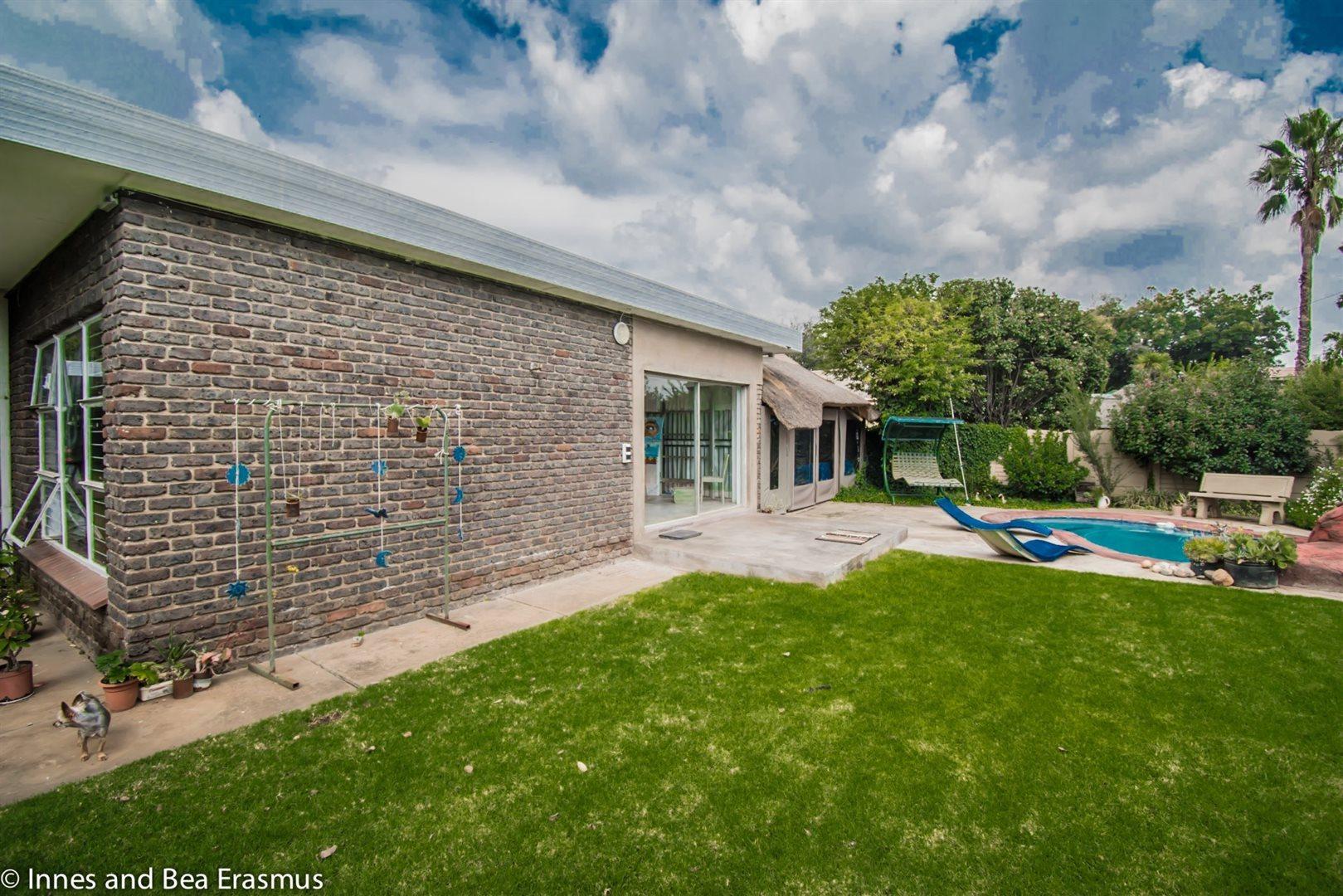 Risiville property for sale. Ref No: 13432077. Picture no 23