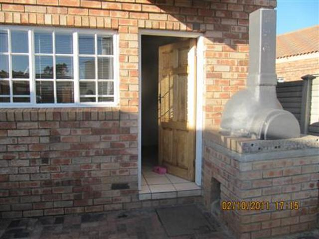 Three Rivers property for sale. Ref No: 13265987. Picture no 5