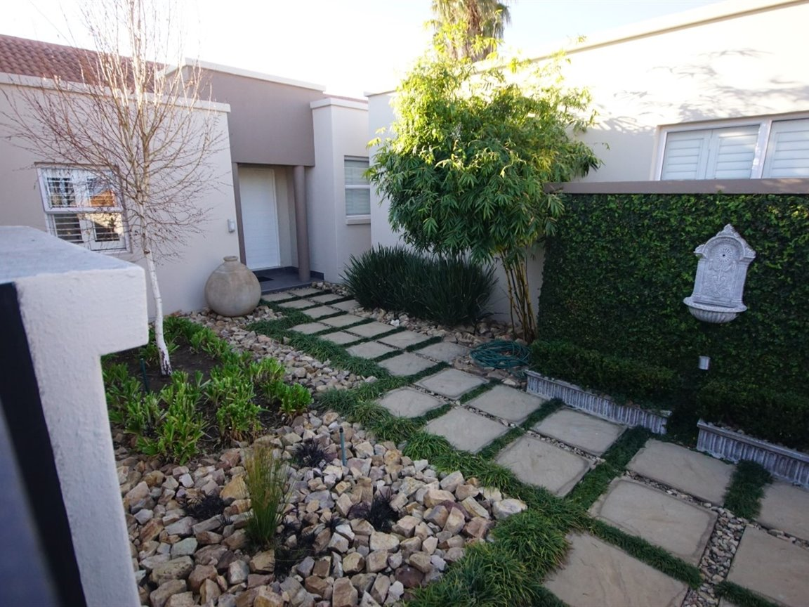 Three Rivers East property for sale. Ref No: 13378538. Picture no 7