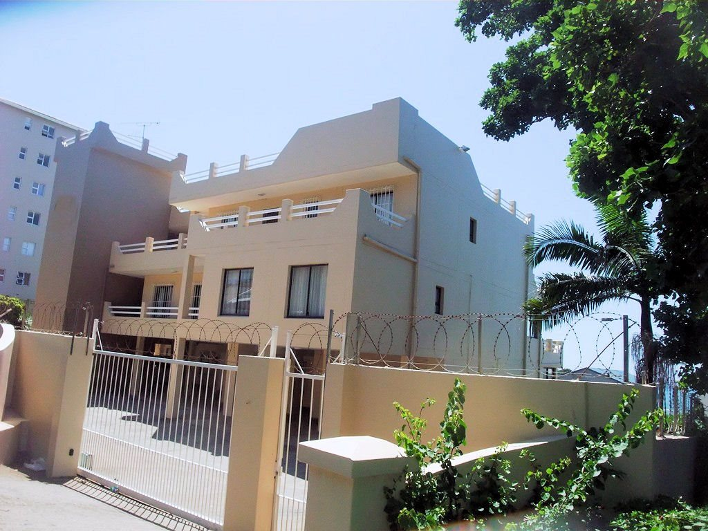 Margate property for sale. Ref No: 12775009. Picture no 20