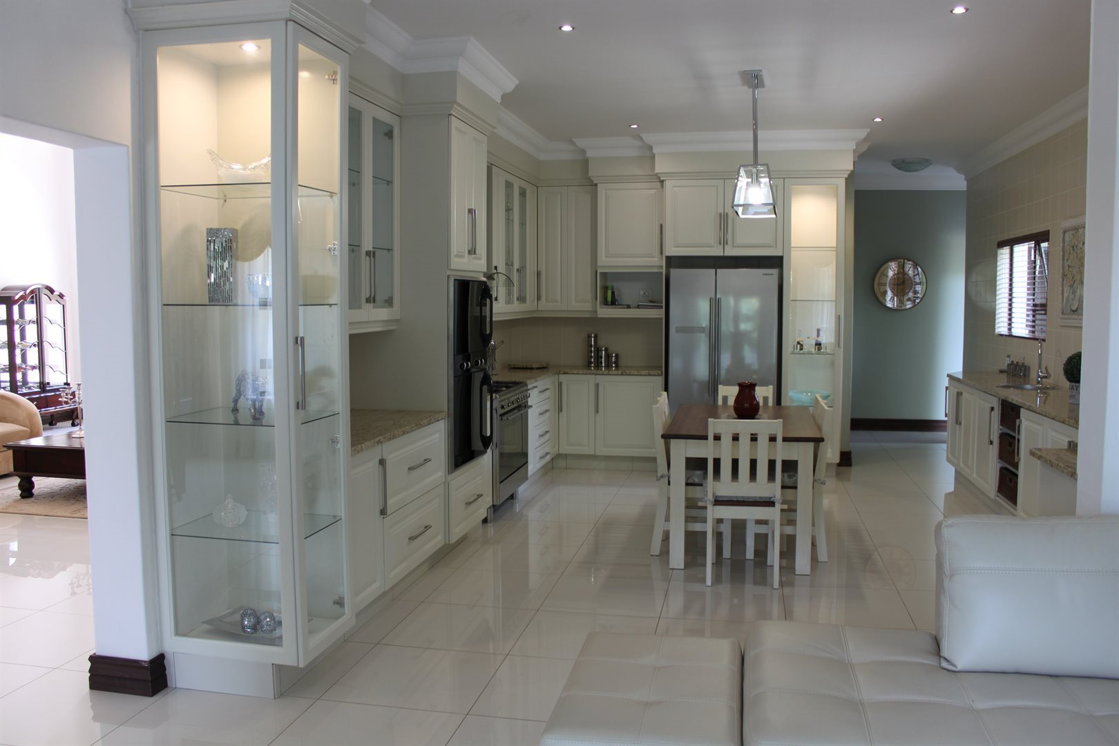 Waterkloof Ridge property for sale. Ref No: 13565299. Picture no 5
