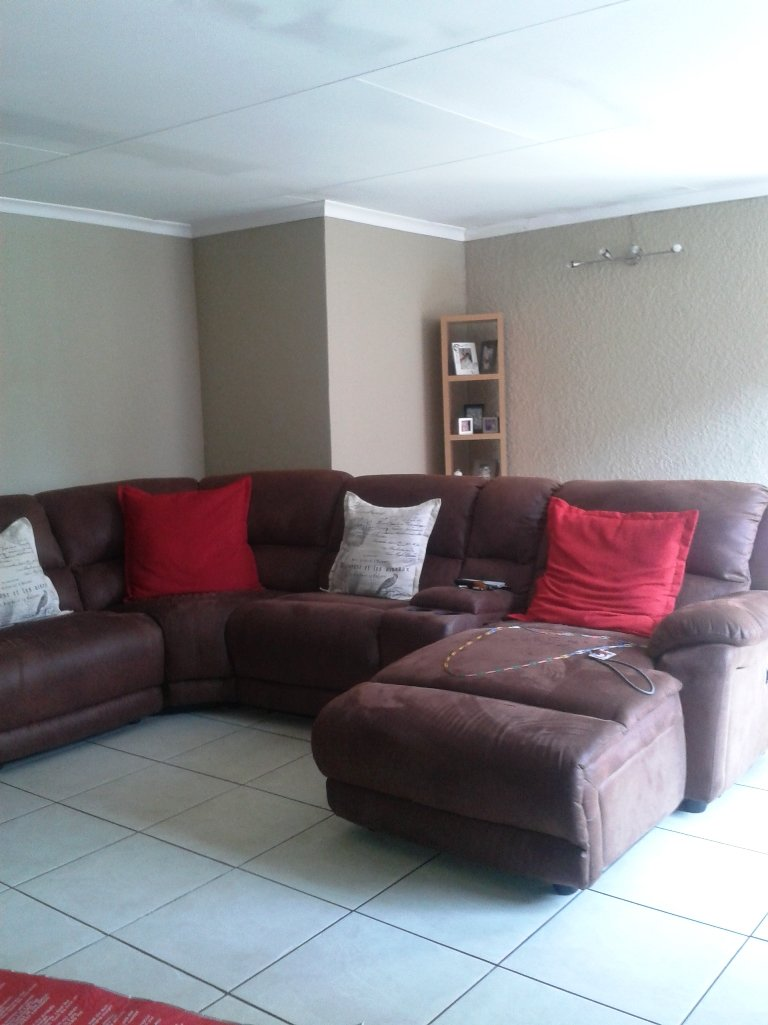 Verwoerdpark property for sale. Ref No: 13617375. Picture no 8