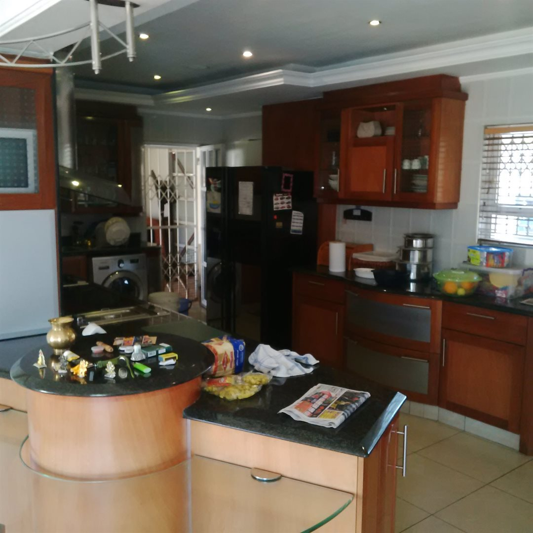 Amanzimtoti property for sale. Ref No: 13521518. Picture no 11