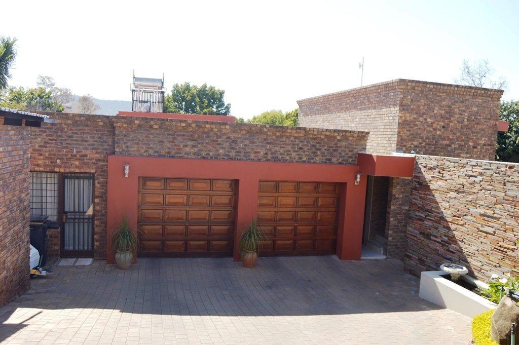 Faerie Glen property for sale. Ref No: 13507315. Picture no 30