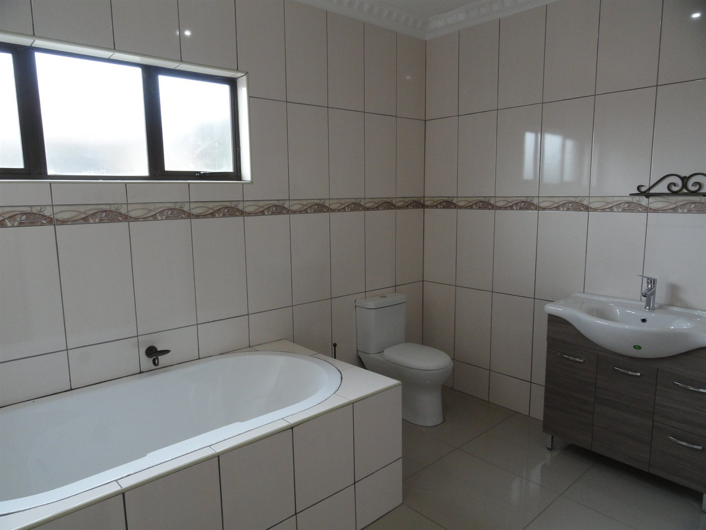 Willow Acres Estate property for sale. Ref No: 13473861. Picture no 13