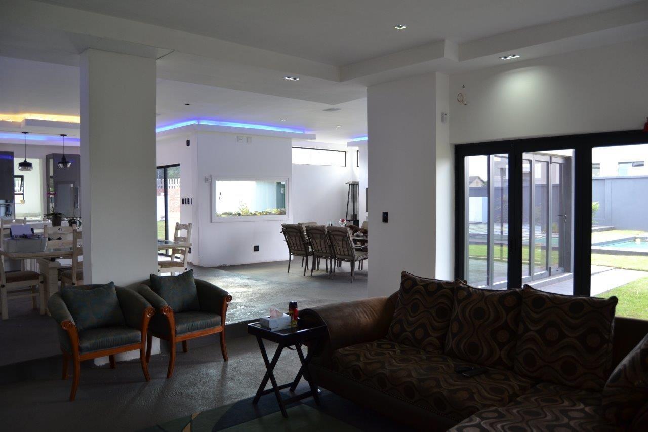 Midstream Hill Estate property for sale. Ref No: 13584239. Picture no 33