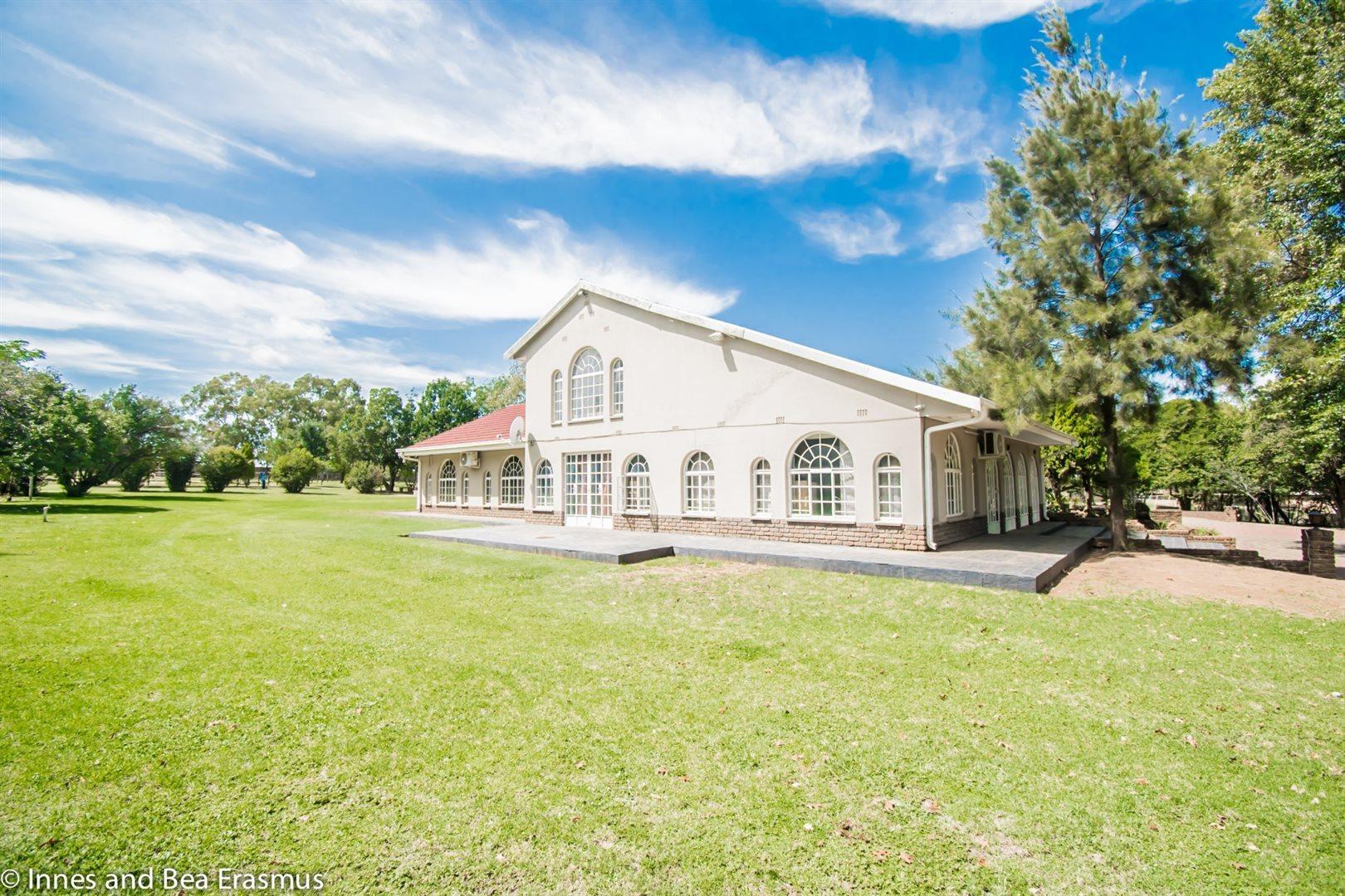 Van Der Westhuizen property for sale. Ref No: 12728959. Picture no 4
