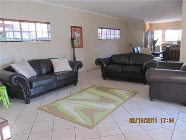 Three Rivers property for sale. Ref No: 13265987. Picture no 6