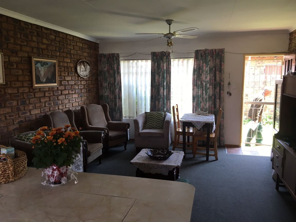 Krugersdorp North for sale property. Ref No: 13402342. Picture no 13