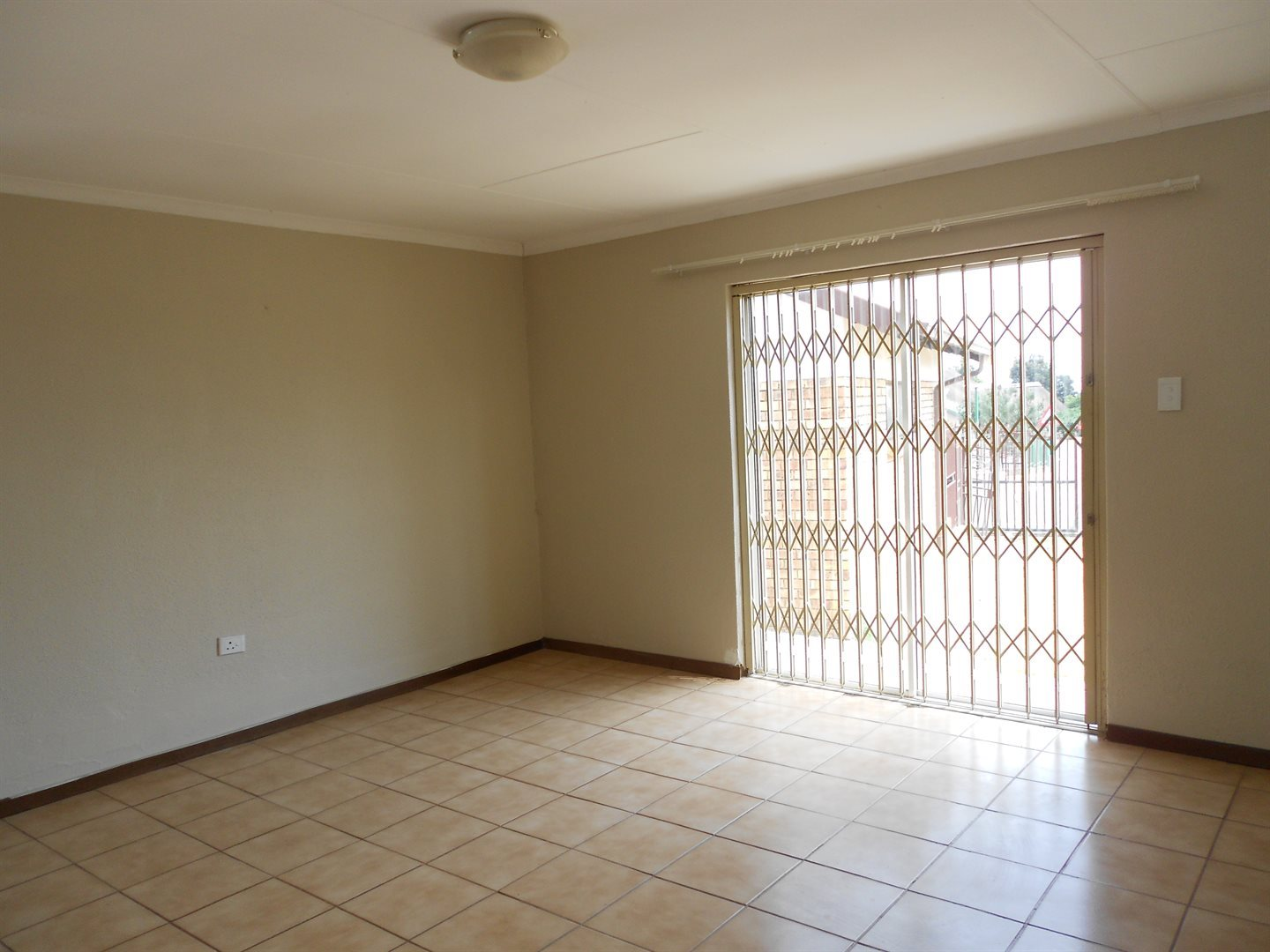 The Reeds property for sale. Ref No: 13535815. Picture no 5
