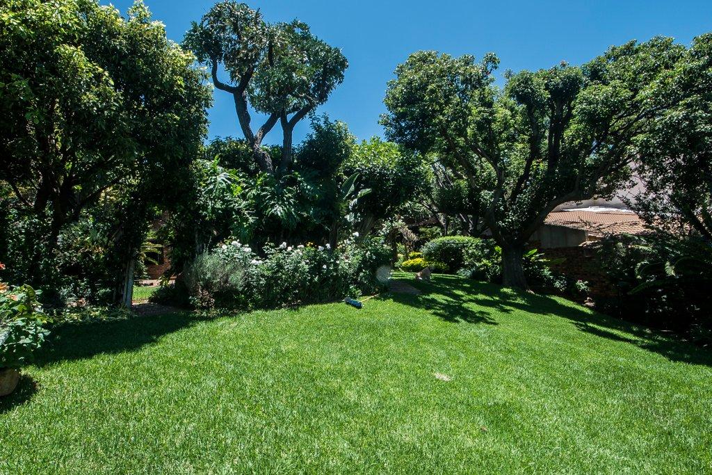 Glenvista property for sale. Ref No: 13529565. Picture no 30