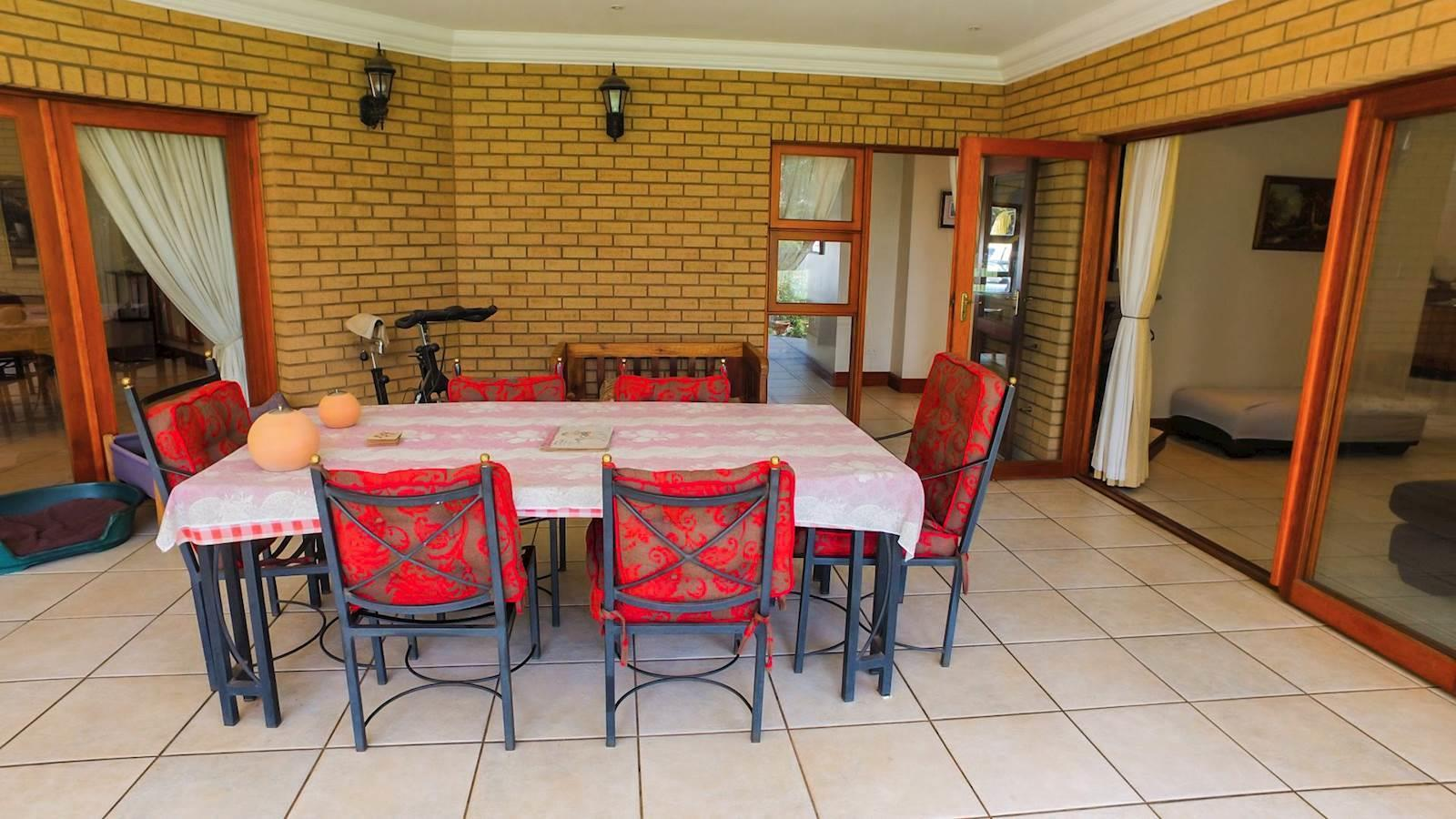 Centurion Golf Estate property for sale. Ref No: 13436542. Picture no 21