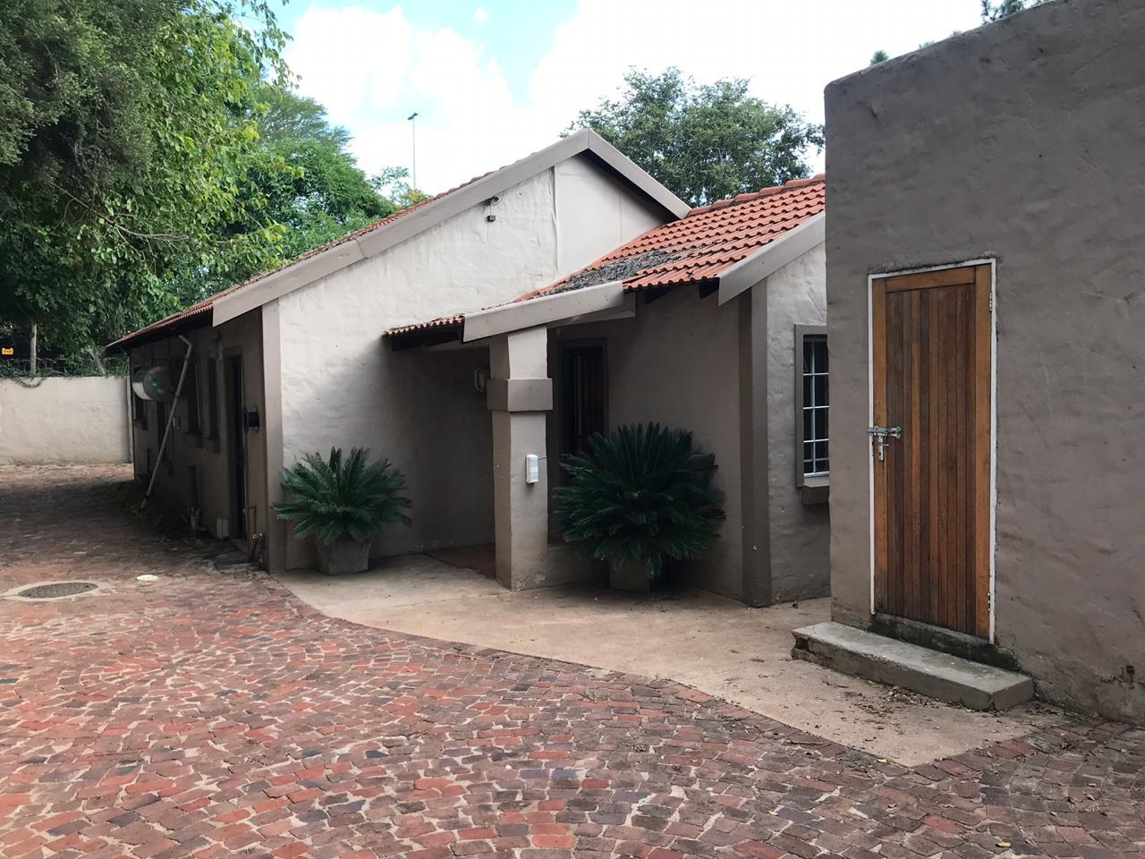 , House, 3 Bedrooms - ZAR 950,000