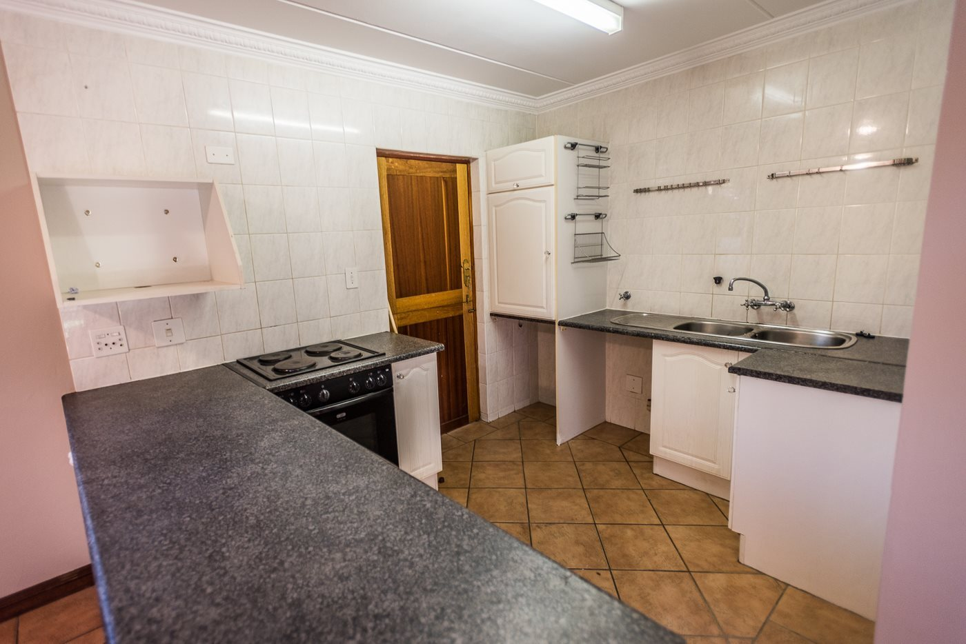 Lonehill property for sale. Ref No: 13492156. Picture no 3