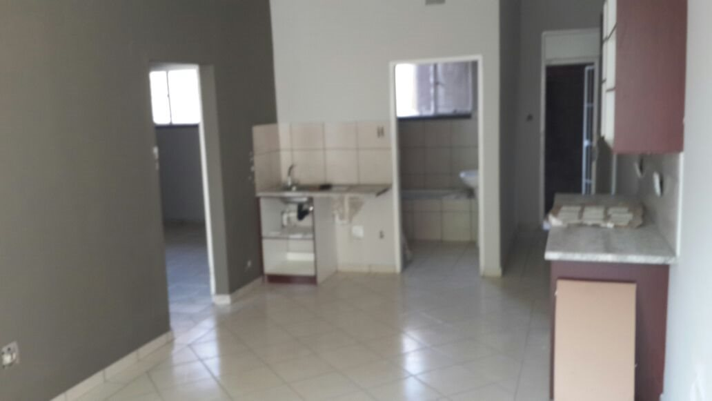 Property and Houses for sale in Gauteng - Page 1761, Apartment, 2 Bedrooms - ZAR 380,000