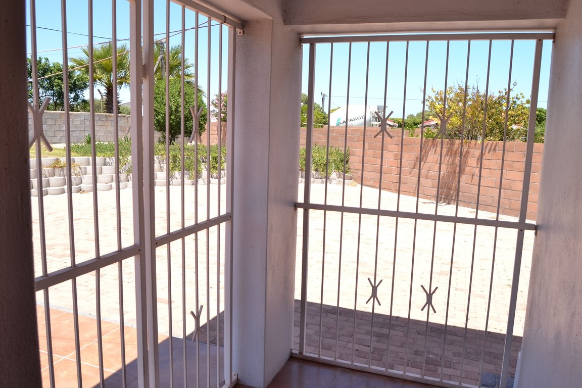 Middedorp property for sale. Ref No: 13300700. Picture no 29