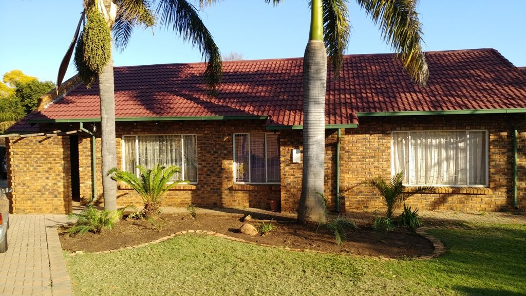 Suiderberg property for sale. Ref No: 13573102. Picture no 2