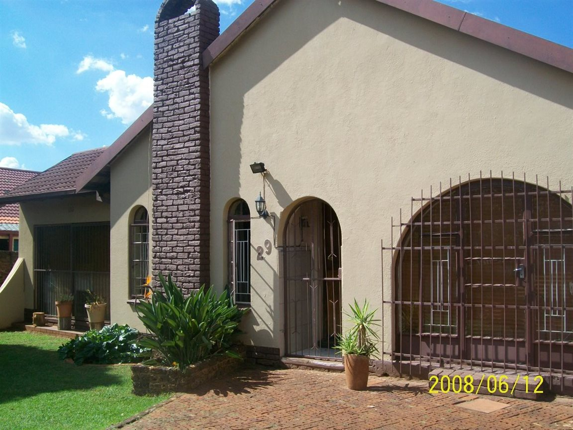 Randfontein, Randfontein Property  | Houses For Sale Randfontein, Randfontein, House 4 bedrooms property for sale Price:960,000