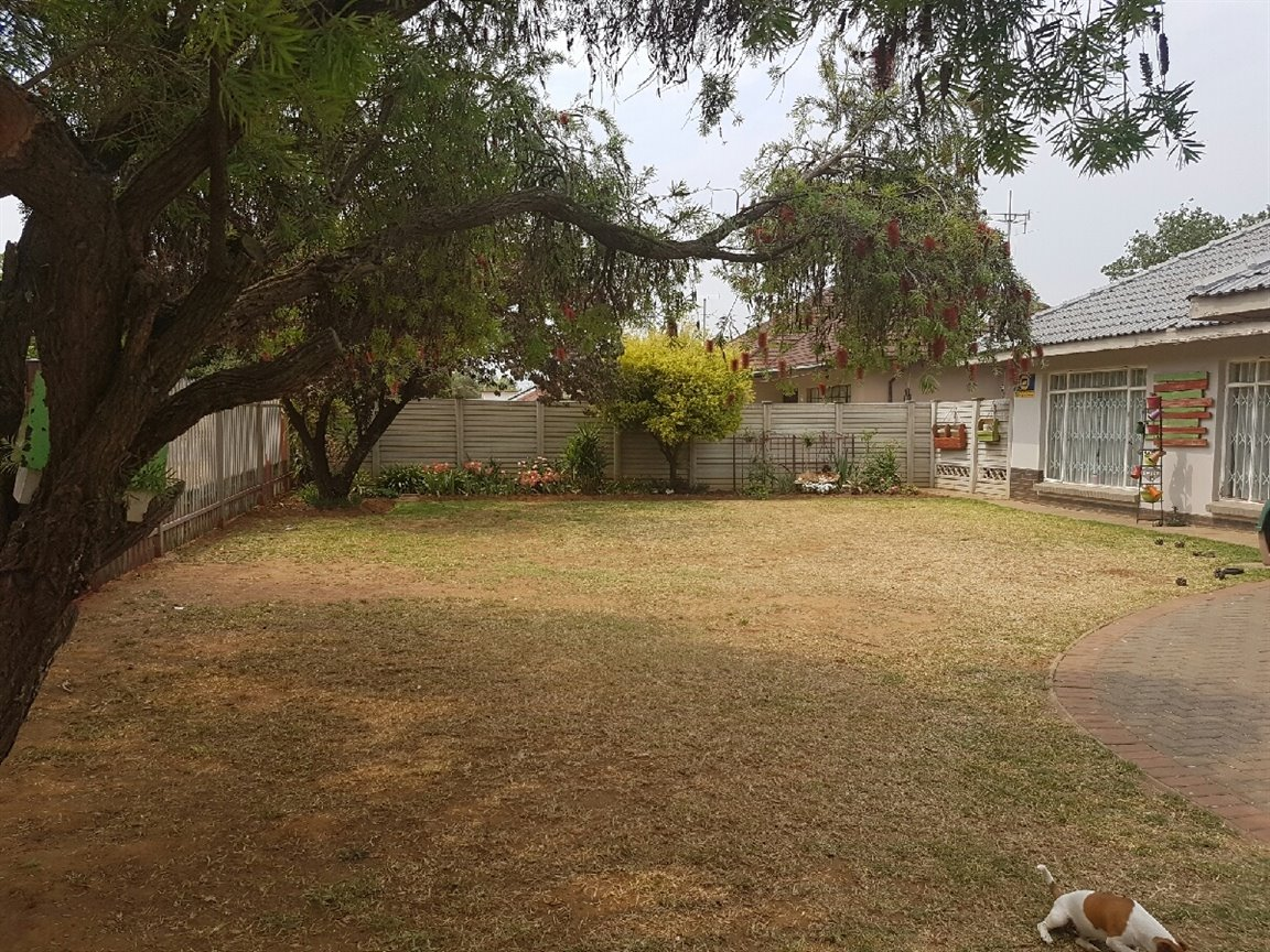 Three Rivers property for sale. Ref No: 13394989. Picture no 14