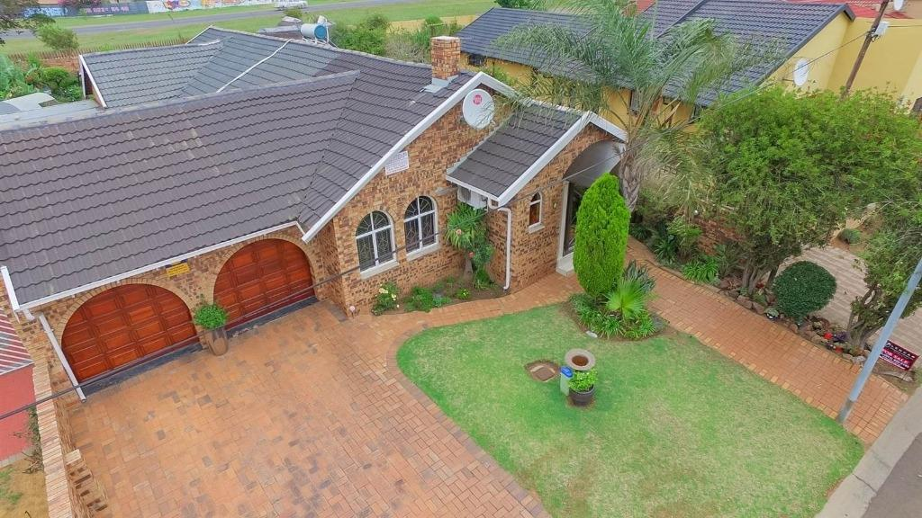 Johannesburg, Lenasia South Property  | Houses For Sale Lenasia South, Lenasia South, House 4 bedrooms property for sale Price:1,699,000