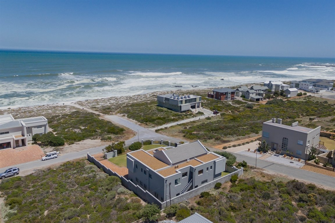 Yzerfontein property for sale. Ref No: 13373287. Picture no 9