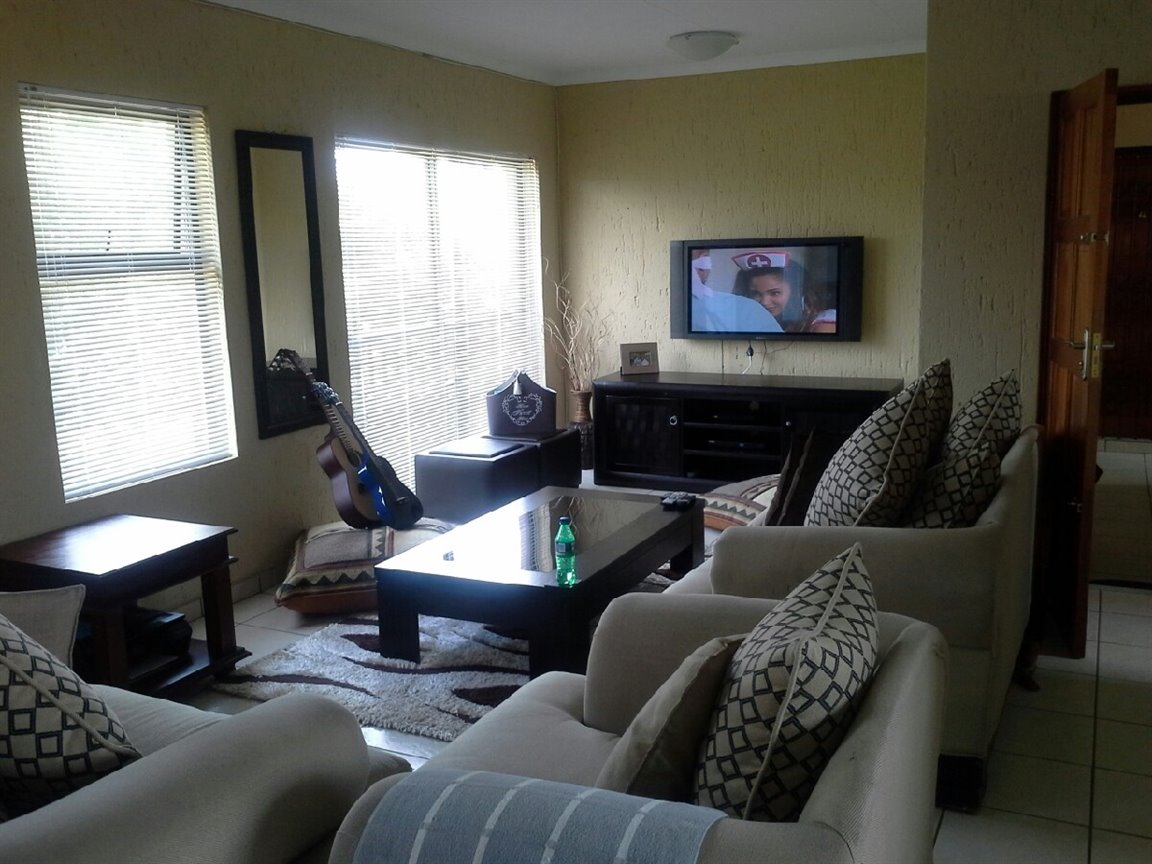 Three Rivers property for sale. Ref No: 12787508. Picture no 3