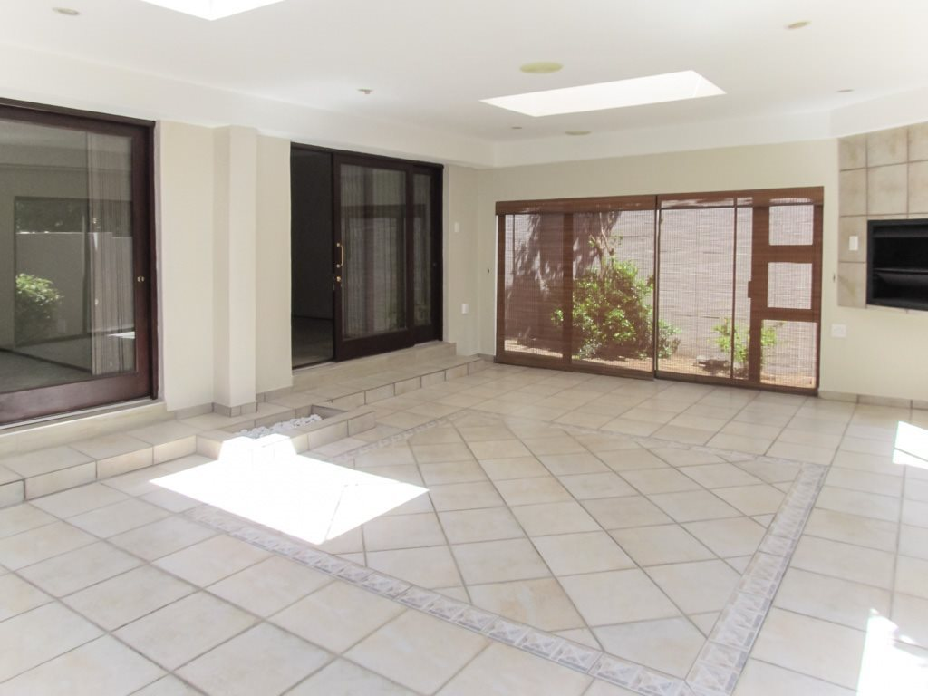 Lonehill property to rent. Ref No: 13553038. Picture no 6