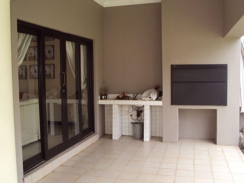 Midstream Estate property for sale. Ref No: 12781454. Picture no 11