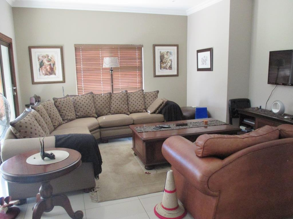 Midlands Estate property for sale. Ref No: 13317285. Picture no 4