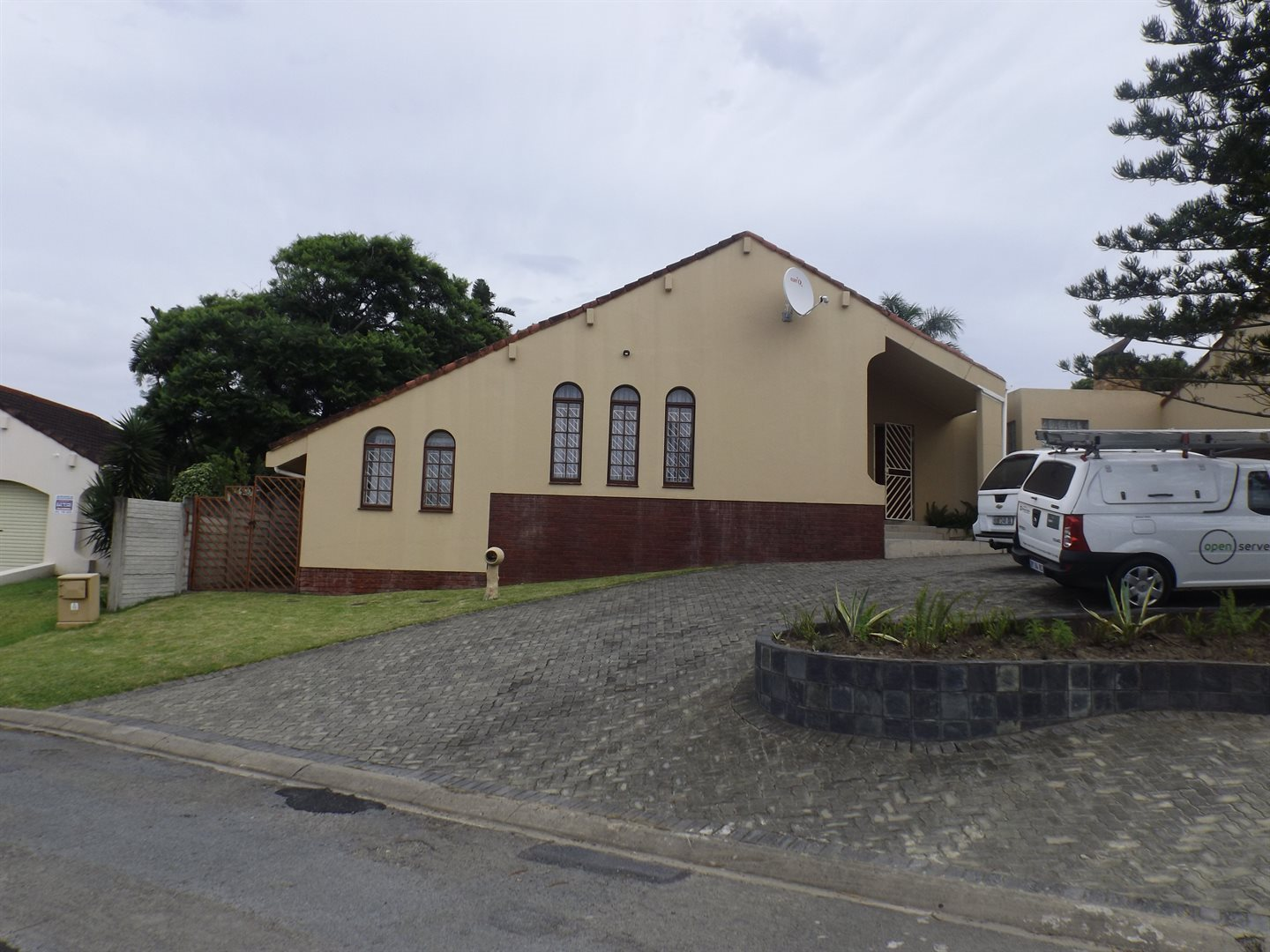 Property for Sale by DLC INC. ATTORNEYS Graham Hodson, House, 3 Bedrooms - ZAR 2,450,000