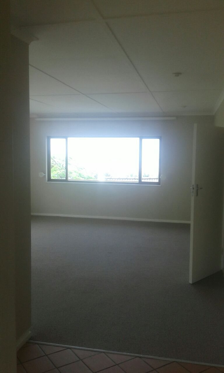 Beacon Bay property for sale. Ref No: 13566308. Picture no 43