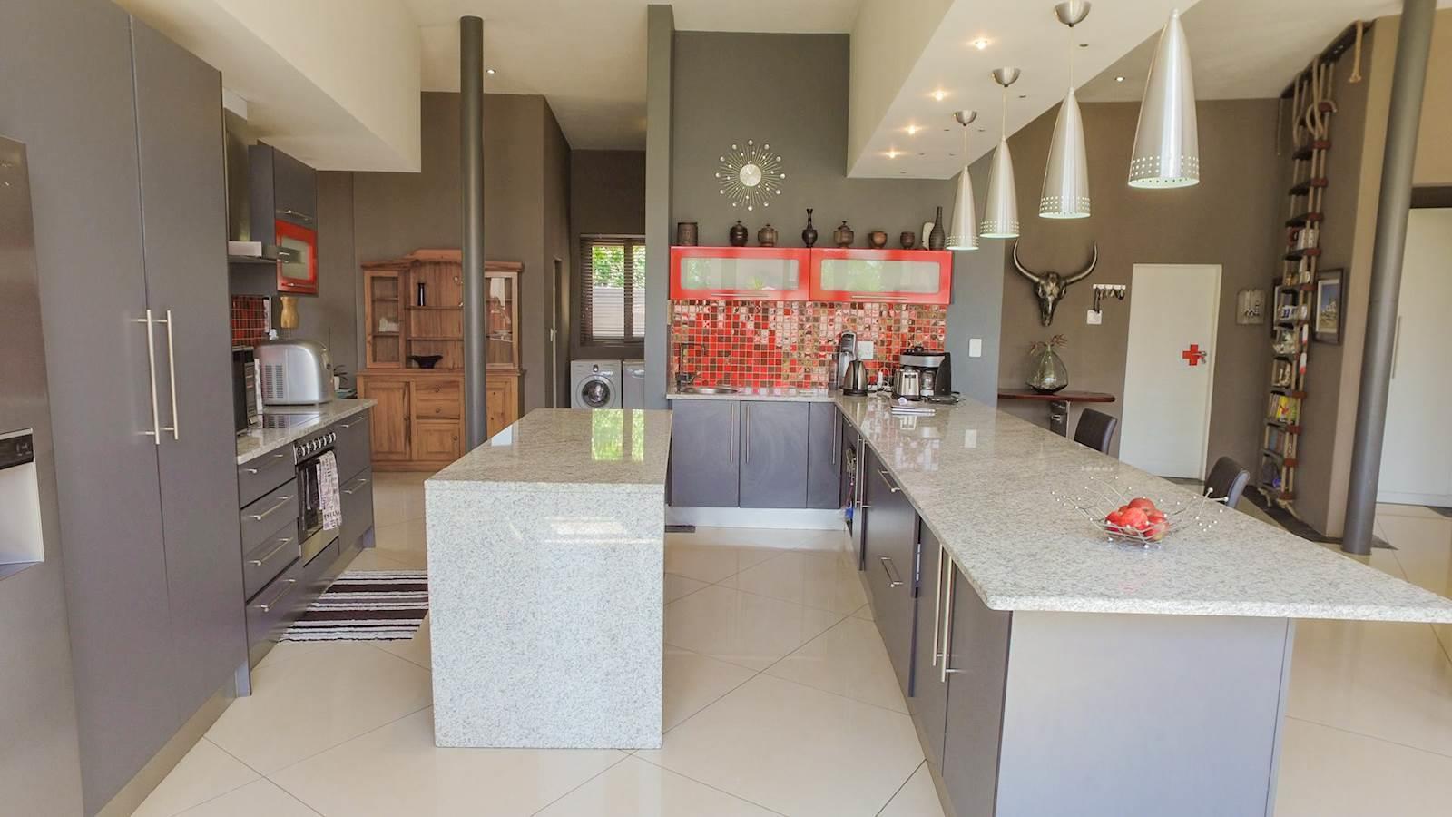 Midstream Estate property for sale. Ref No: 13435299. Picture no 9