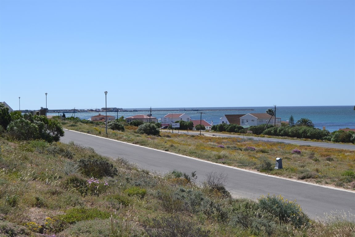 St Helena Bay property for sale. Ref No: 13400671. Picture no 11