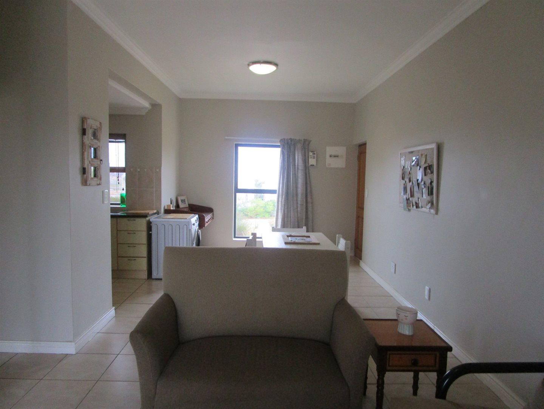 De Wijnlanden property for sale. Ref No: 13524985. Picture no 8