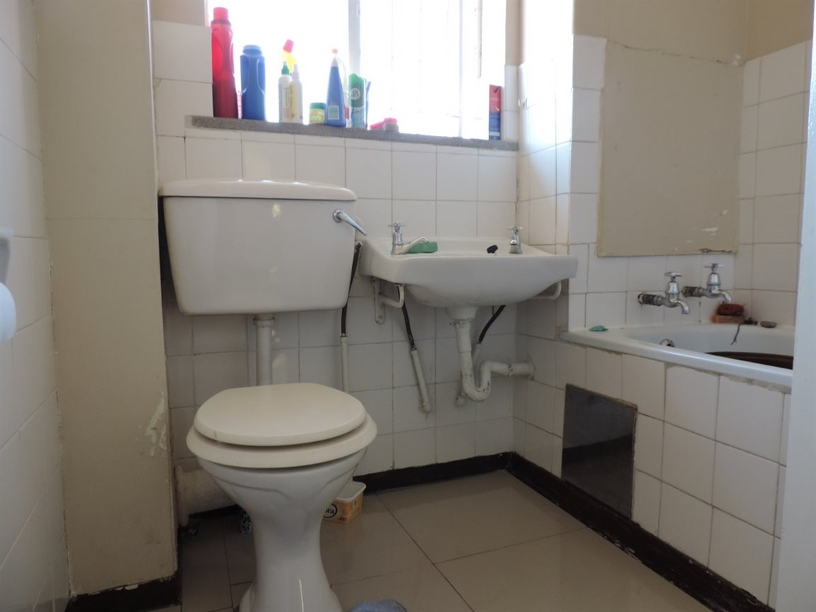 Three Rivers property for sale. Ref No: 12761412. Picture no 3