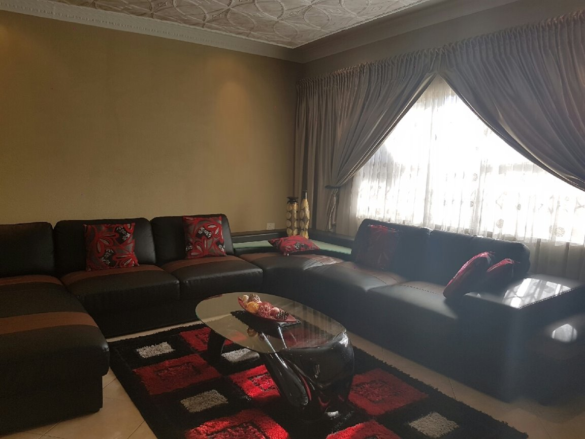 Waldrift property for sale. Ref No: 13399855. Picture no 6