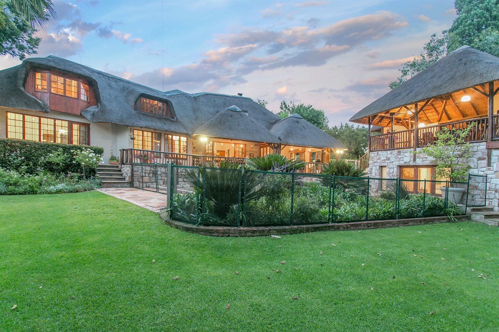 Sandton, Douglasdale Property  | Houses For Sale Douglasdale, Douglasdale, House 3 bedrooms property for sale Price:3,799,000