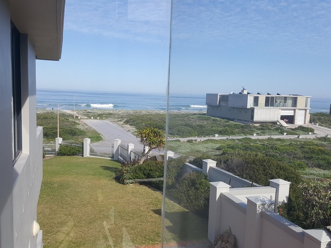 Yzerfontein property for sale. Ref No: 13373287. Picture no 11